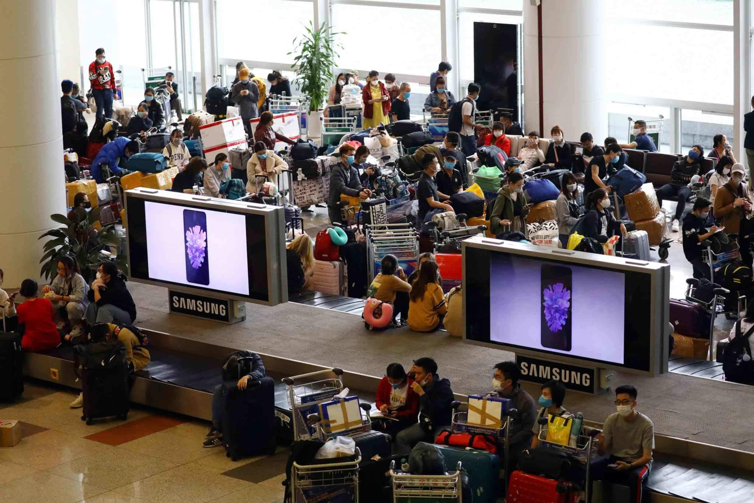 Hơn 2.000 khách bay từ các nước về Việt Nam hôm nay